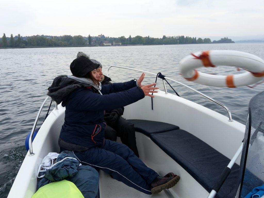 Mann über Bord Manöver mit Rettungsring
